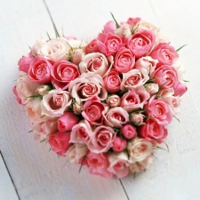 heart-shaped-roses